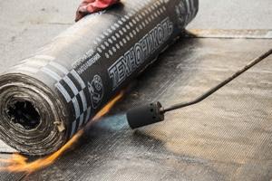Работа с рубероидом (наплавляемая гидроизоляция): особенности укладки
