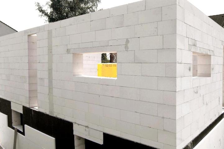 строение из газосиликатных блоков